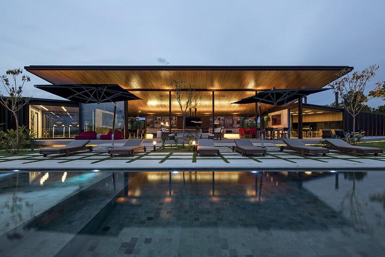 CA House / Jacobsen Arquitetura, © Leonardo Finotti