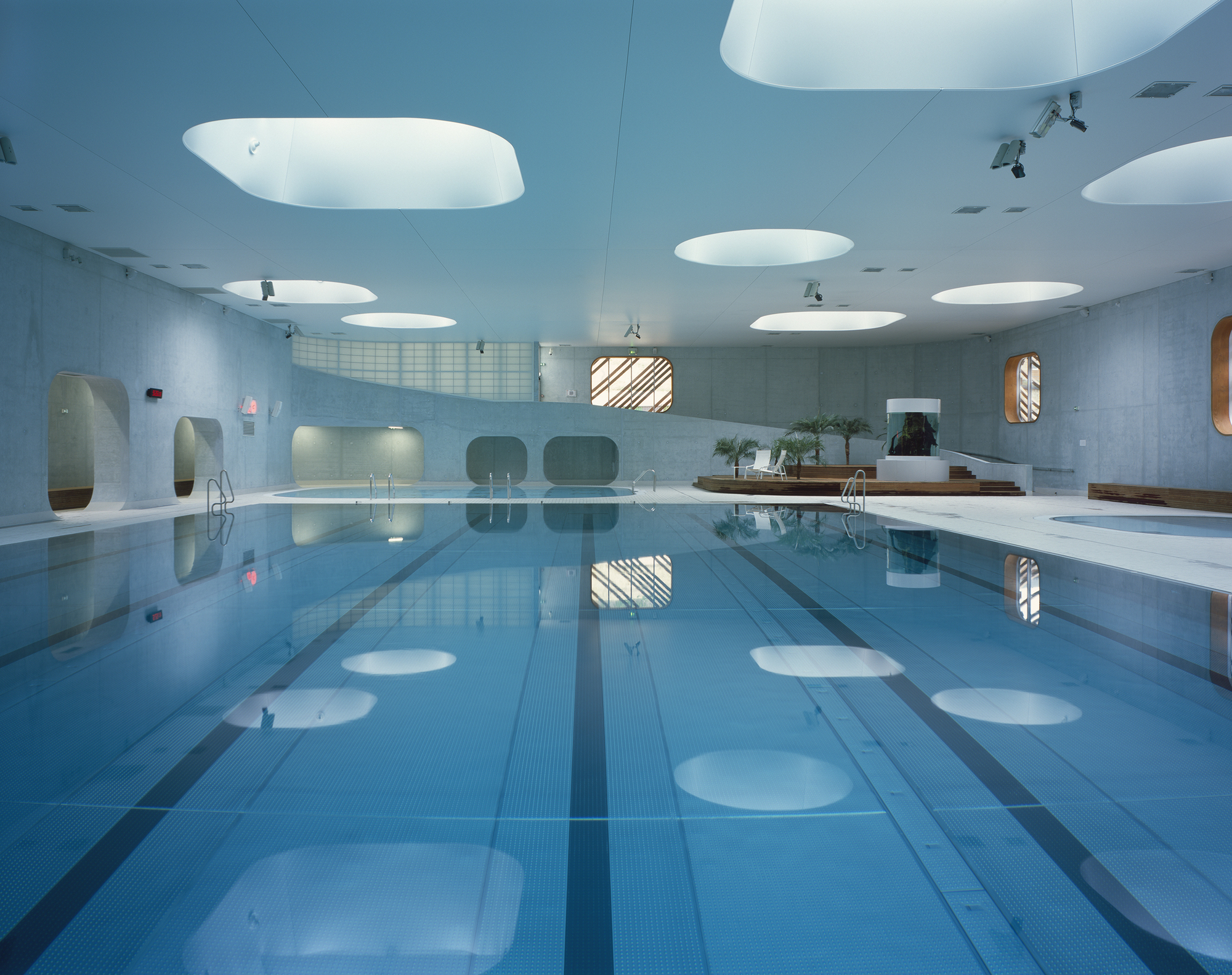 Feng shui swimming pool mikou studio archdaily for Pool design studio