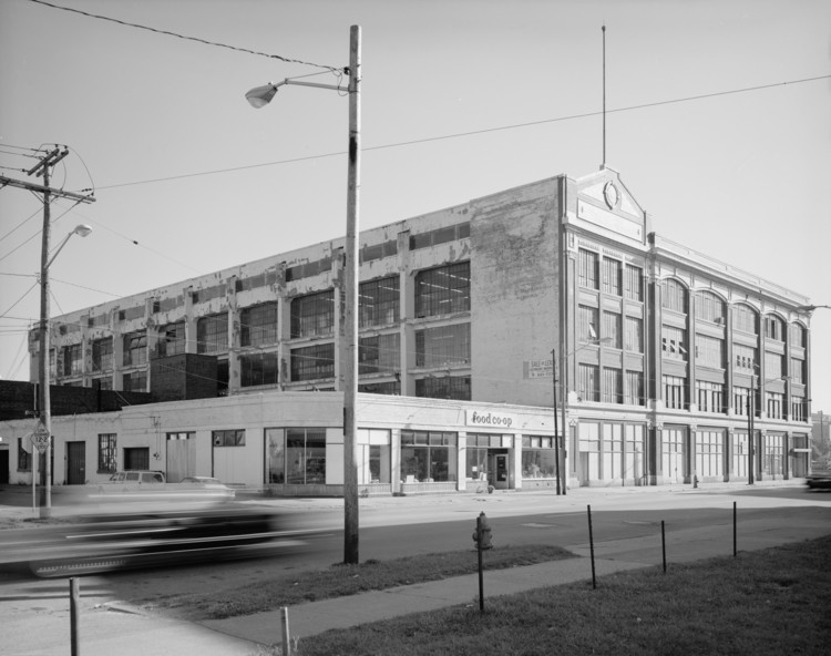 Spotlight: Albert Kahn, Ford Motor Plant, Cleveland. Image © Historic American Building Survey