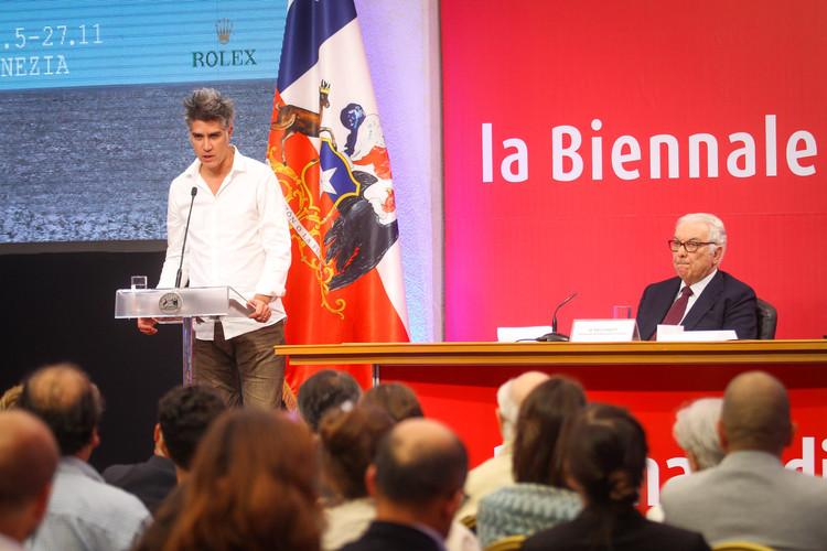 Bienal de Venecia 2016: Alejandro Aravena y Paolo Baratta presentan inédita conferencia de prensa en Chile, Alejandro Aravena y Paolo Baratta. Image © Natalia Espina bajo licencia CC BY-NC-SA 2.0 / CNCA