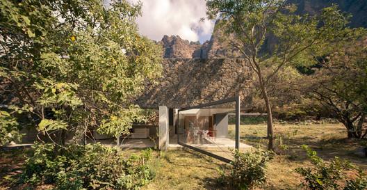 Casa Meztitla  / EDAA