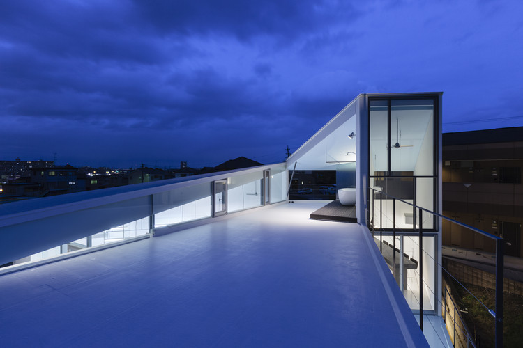 Blues Design Office  / D.I.G Architects, © Tomohiro Sakashita