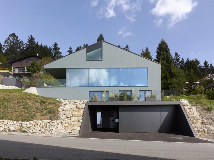 Villa Erard, à Nods  / Andrea Pelati Architecte, © Thomas Jantscher