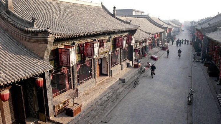 A traditional siheyuan in Pingyao (p. 389), now operating as a hostel. Image © Evan Chakroff