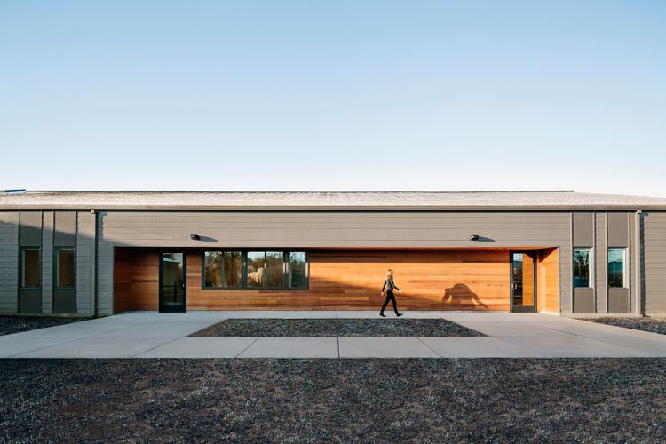 Lamprich Center  / Alexander Jermyn Architecture, © Lucas Fladzinski