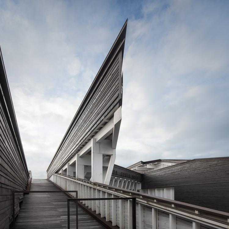 Centro Cultural y Social de Costa Nova / ARX Portugal, © Fernando Guerra | FG+SG