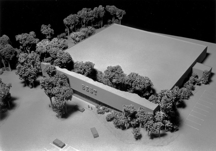 BEST Products Forest Building (1979). Image © SITE