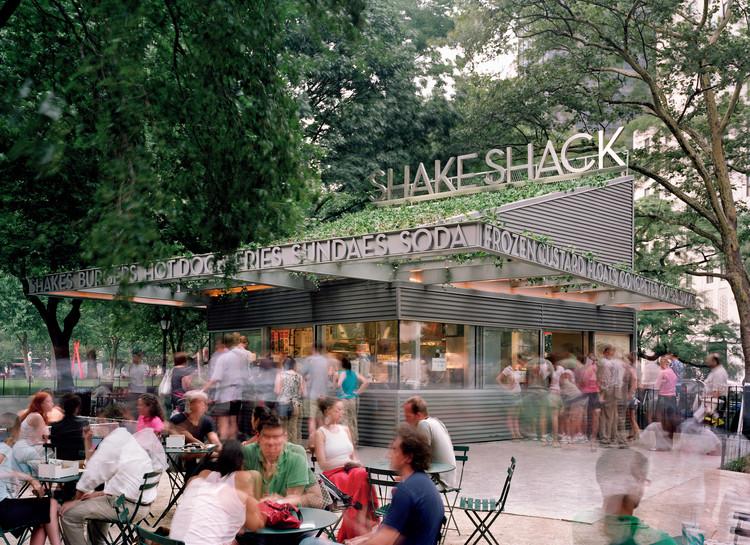 Shake Shack kiosk (2004). Image © SITE