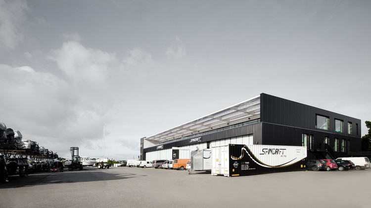 Spindrift Racing / Studio 02
