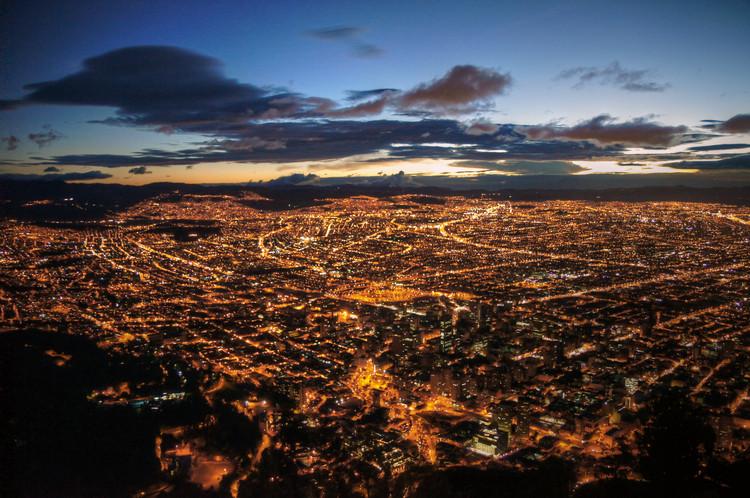 El desmedido crecimiento de Bogotá: Impactantes resultados en las dinámicas inmobiliarias, © Mariusz kluzniak bajo licencia CC BY-NC 3.0
