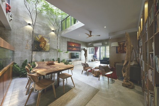 Terrace house renovation o2 design atelier archdaily - Decoration interieur style atelier ...