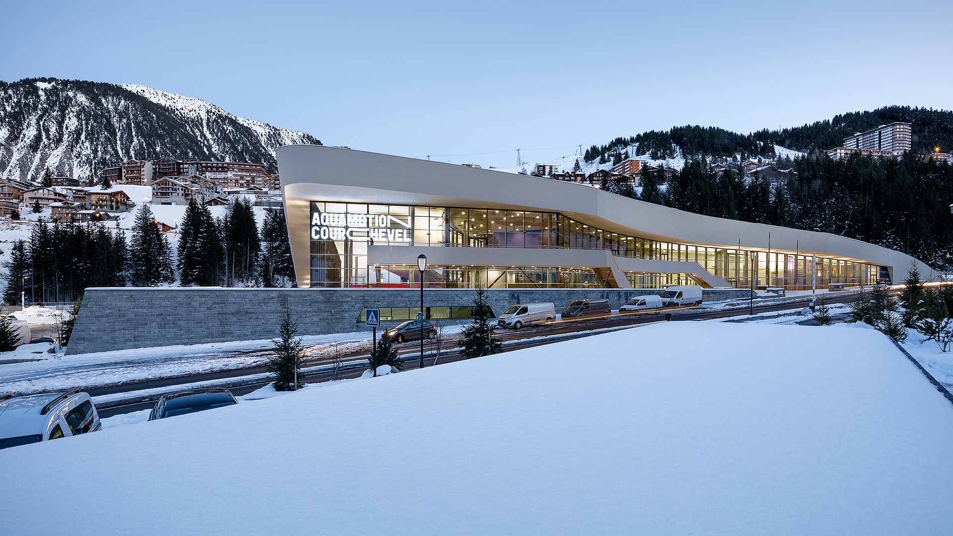 Gallery of aquatic centre aquamotion courchevel auer for Centre sportif cote des neiges piscine