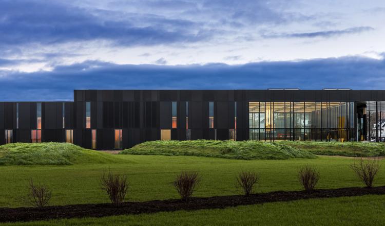 Puerto de entrada terrestre EEUU / Snow Kreilich Architects, © Paul Crosby