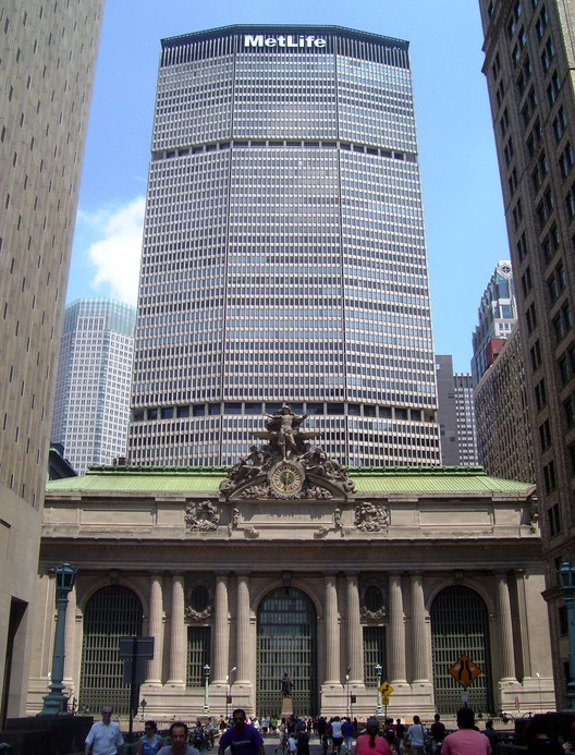 The MetLife Building viewed from the South, with Grand Central Terminal in the foreground. Image © Wikimedia user Beyond_My_Ken licensed under CC BY-SA 4.0
