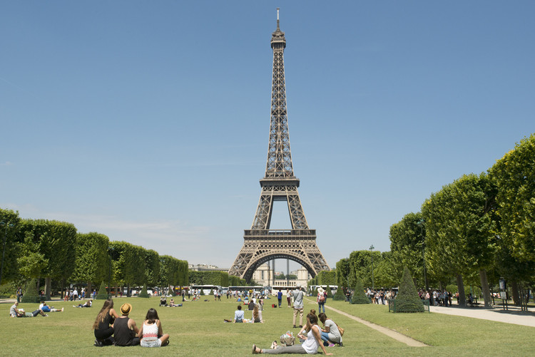 "Perhaps the most famous ""temporary"" architectural structure, Paris' Eiffel Tower, was originally intended to be dismantled after the 1889 World's Fair. Image © City of Paris"
