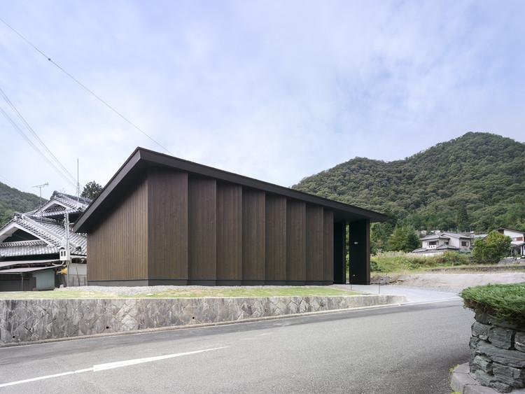 Inagawa Reien Warehouse  / Akira Koyama + Key Operation Inc, © Yasushi Ichikawa
