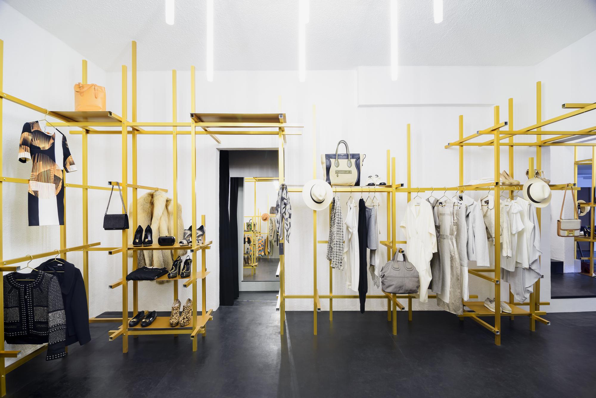 Studio s fashion house 66