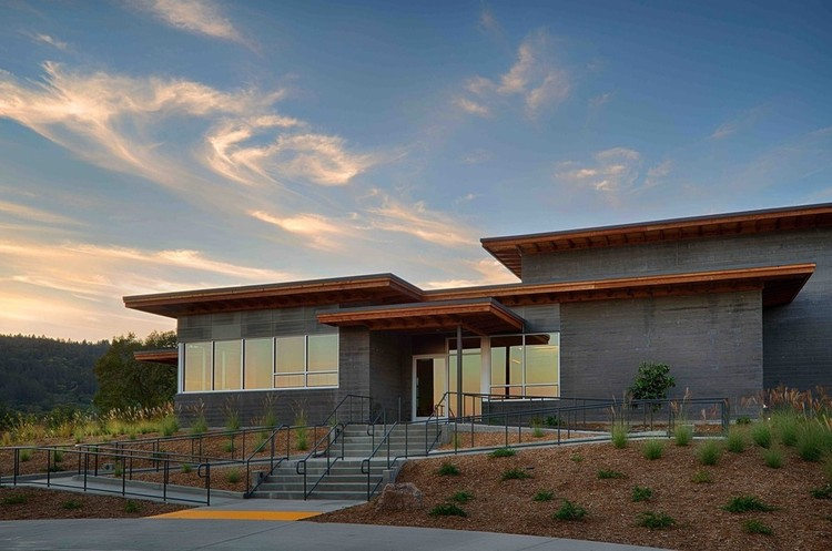 Titus Vineyards  / MH Architects , © Tim Maloney