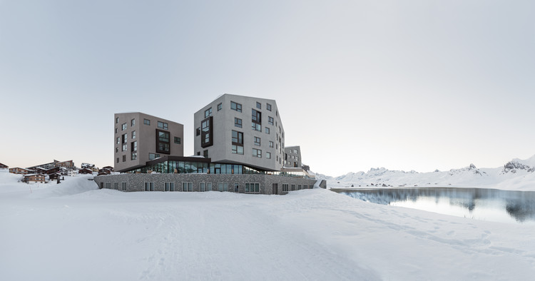 Frutt Family Lodge  / Philip Loskant Architekt, © Ulrich Stockhaus