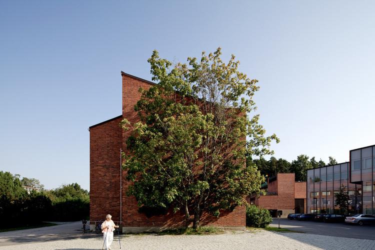Jyväskylä University Building. Image © Nico Saieh