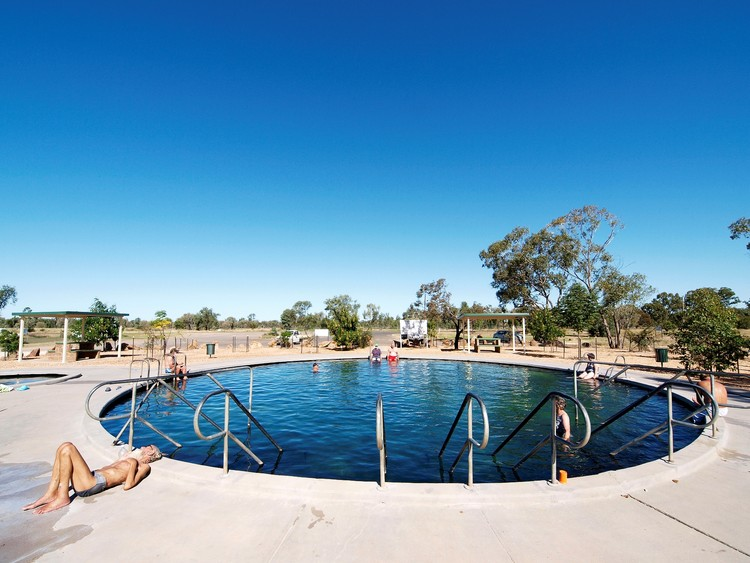 Visitors enjoying the Lightning Ridge hot artesian baths, Northern New South Wales. Image © Simon Bayliss, Courtesy of Lightning Ridge Tourism Association