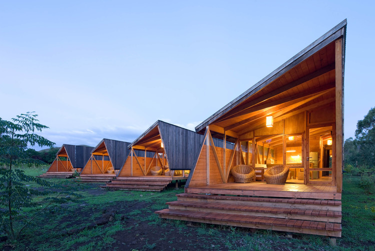 Floating Homes That Will Make You Want To Live On Water likewise Cabanas Morerava Aata Arquitectos in addition Lodging Cabins furthermore Nhlogcabinhomes also Plan details. on small wooden homes and cottages