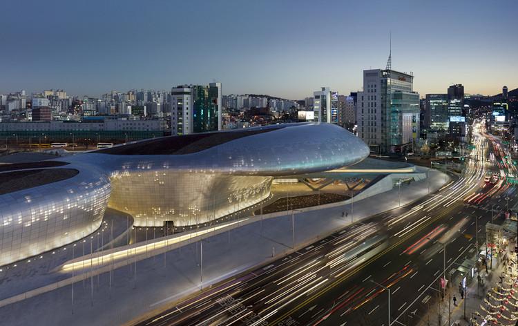 Plaza Dongdaemun. Image © Virgile Simon Bertrand