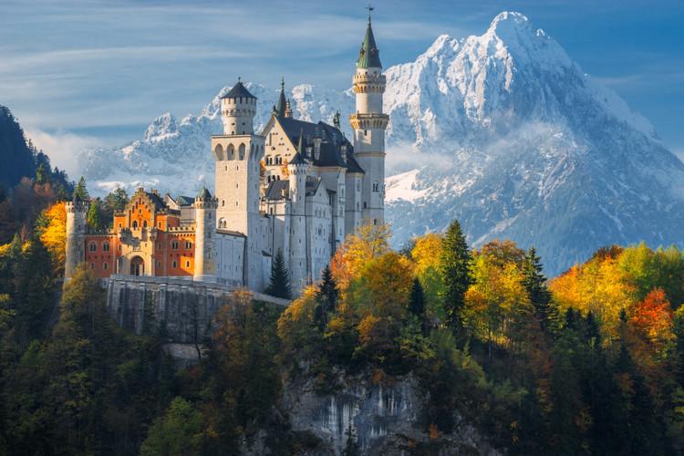 AD Classics: Neuschwanstein Castle / Eduard Riedel, Courtesy of Shutterstock user Naumenko Aleksandr