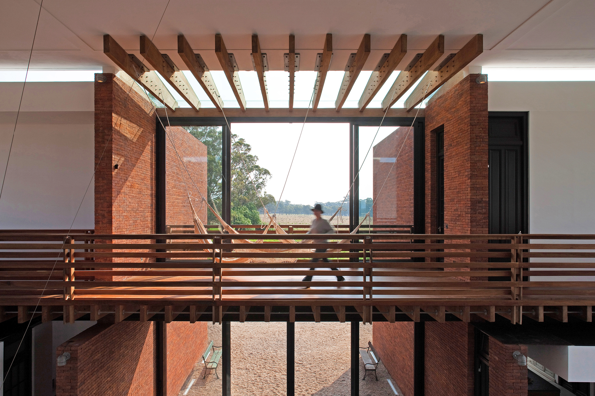 Luna llena house candida tabet arquitetura archdaily - Residence secondaire candida tabet architecture ...