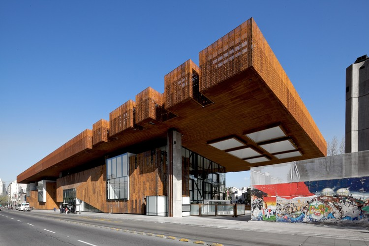 Centro Cultural Gabriela Mistral / Cristián Fernández Arquitectos + Lateral arquitectura & diseño, © Nico Saieh