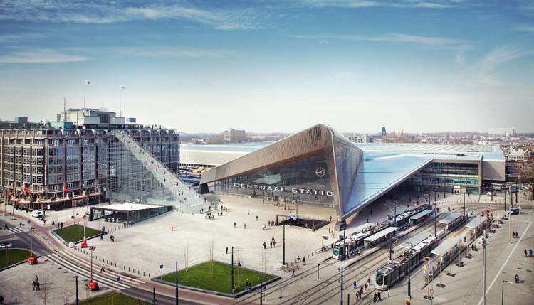 MVRDV instalará una escalera de 180 escalones afuera de la Estación Central de Rotterdam, La escalera de Stationsplein, Rotterdam. Image © Frank van Dam/MVRDV