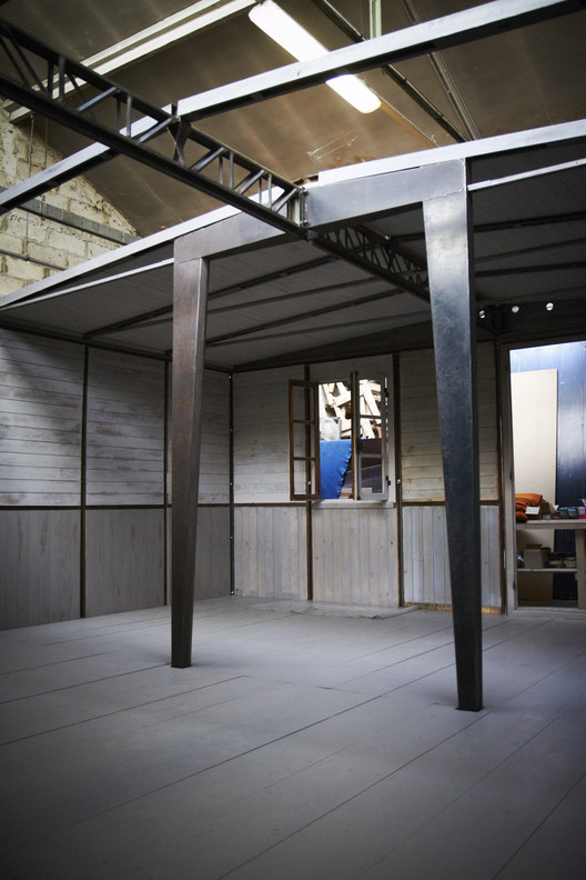 Spotlight: Jean Prouvé, One of Jean Prouvé's Demountable Houses on display. Image Courtesy of Forward