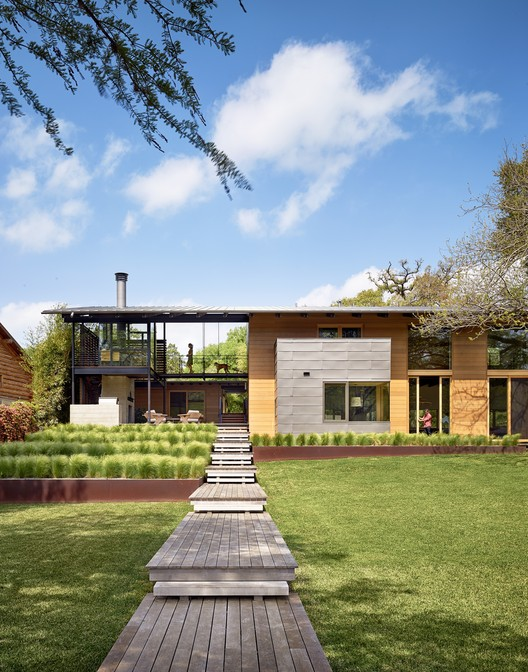 Vivienda personalizada: Hog Pen Creek Retreat; Austin, Texas / Lake|Flato Architects. Imagen Cortesía de AIA