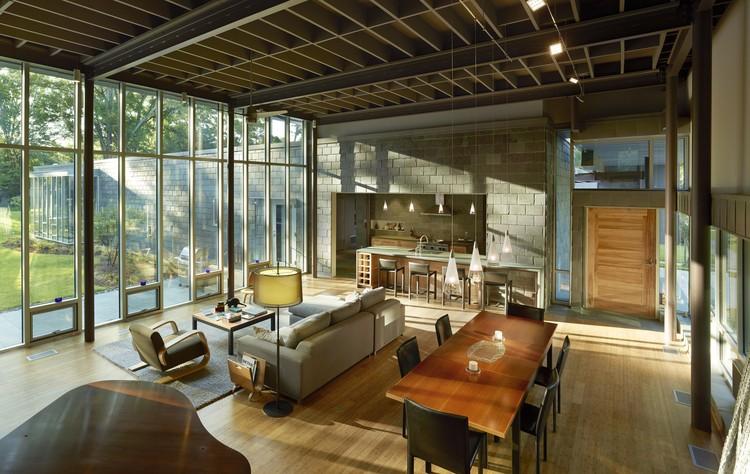 Vivienda personalizada: Oak Ridge House; Jackson, MS / Duvall Decker Architects, P.A.. Imagen Cortesía de AIA