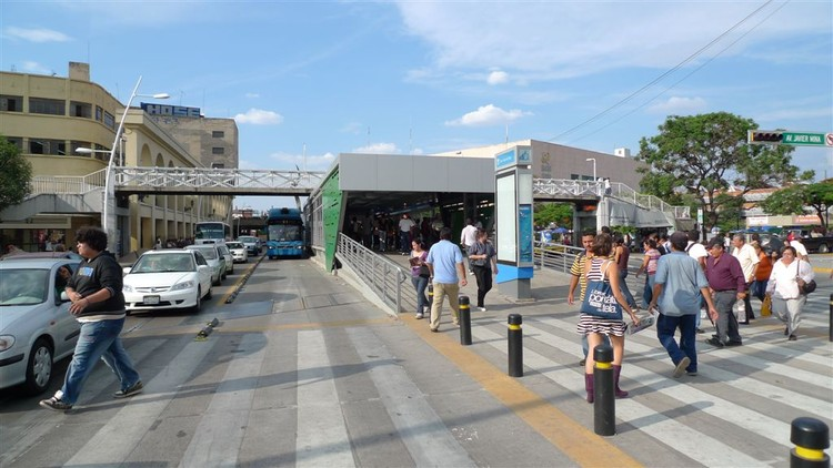 Corredor BRT en Guadalajara, México. Image © ITDP, vía Flickr