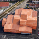 The FORUM Associative  / Manuelle Gautrand Architecture