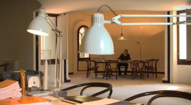 Publicações e vídeos selecionados para a X BIAU, © Fotograma vídeo RICARDO BOFILL. Entrevistado por Luis Fernández-Galiano, Colección MAESTROS.  © Fundación Arquia