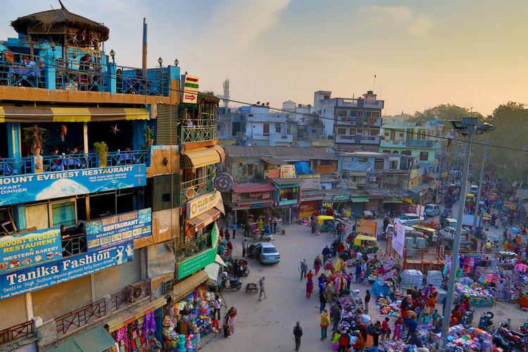 Bairro Paharganj em Nova Déli, Índia. Imagem © Andrzej Wrotek, via Flickr