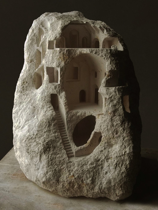 Ringrone (Faxe Limestone, 2016, 61cm tall). Image © Matthew Simmonds