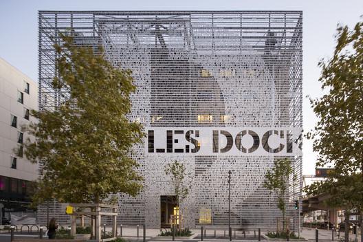 Marseilles Docks / 5+1AA