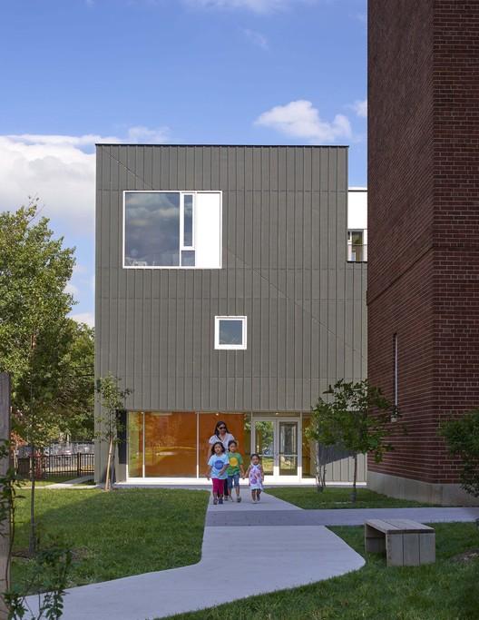 Mundo Verde Bilingual Public Charter School / Studio Twenty Seven Architecture, © Hoachlander Davis Photography