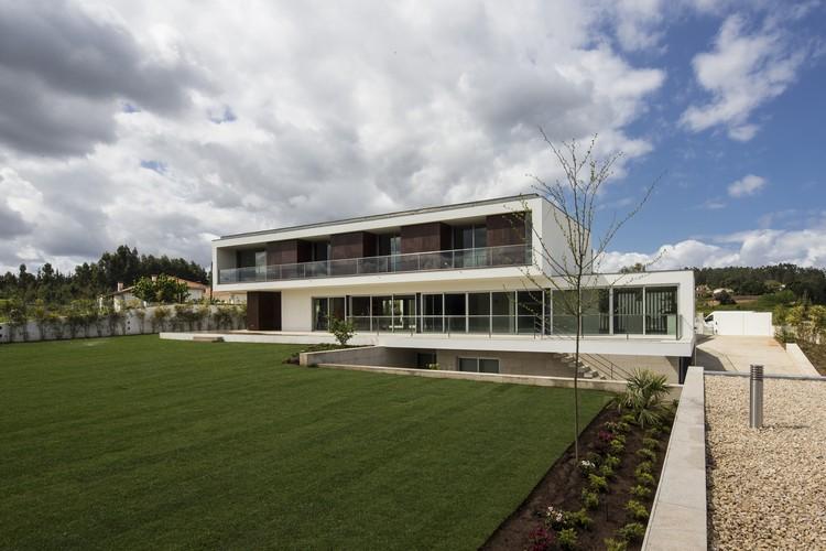 P l house atelier d 39 arquitectura j a lopes da costa - Atelier arquitectura ...
