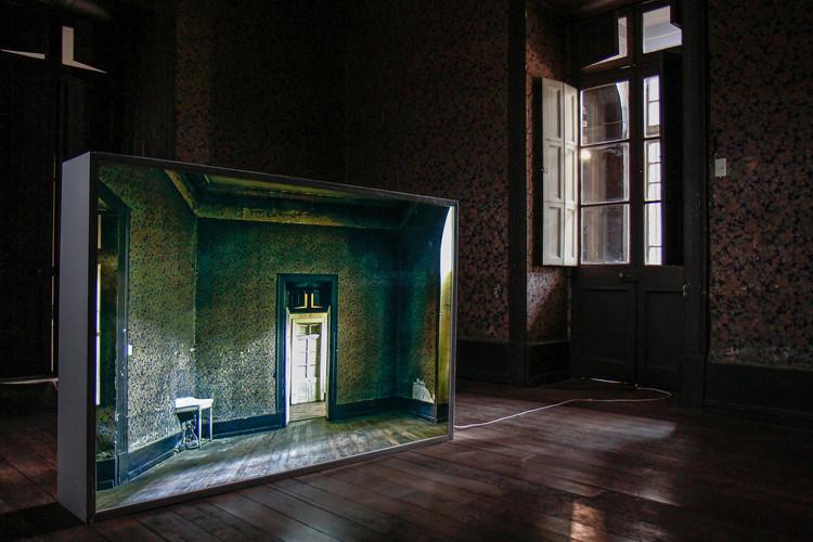 Locación: Casa Libertad Artista Cristobal Palma Obra: Punto de vista. Image © Angelina Dotes