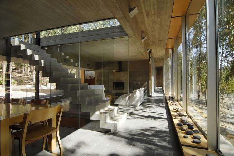 Casa Omnibus /  Gubbins Arquitectos, © Marco Mendizabal