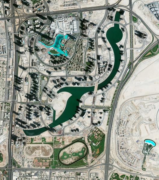 Dubai, EAU. Imagen cortesía de Daily Overview. © Satellite images 2016, DigitalGlobe, Inc