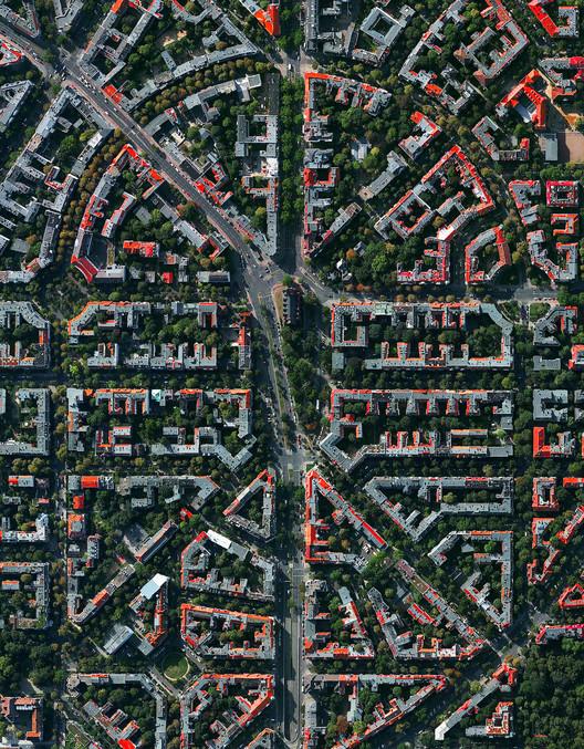 Berlí, Alemania.  Imagen cortesía de Daily Overview. © Satellite images 2016, DigitalGlobe, Inc