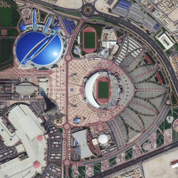 Doha, Qatar. Imagen cortesía de Daily Overview. © Satellite images 2016, DigitalGlobe, Inc