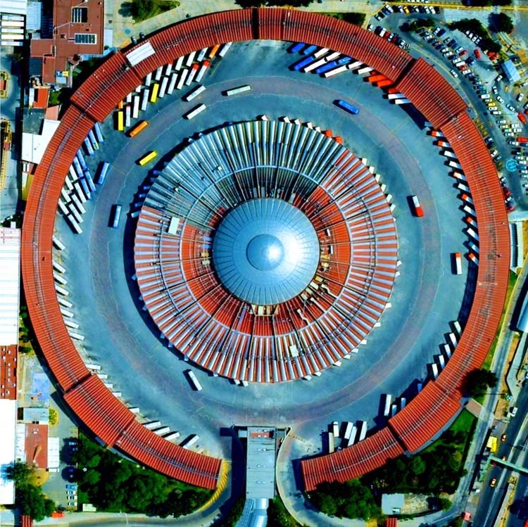 Ciudad de México, México. Imagen cortesía de Daily Overview. © Satellite images 2016, DigitalGlobe, Inc