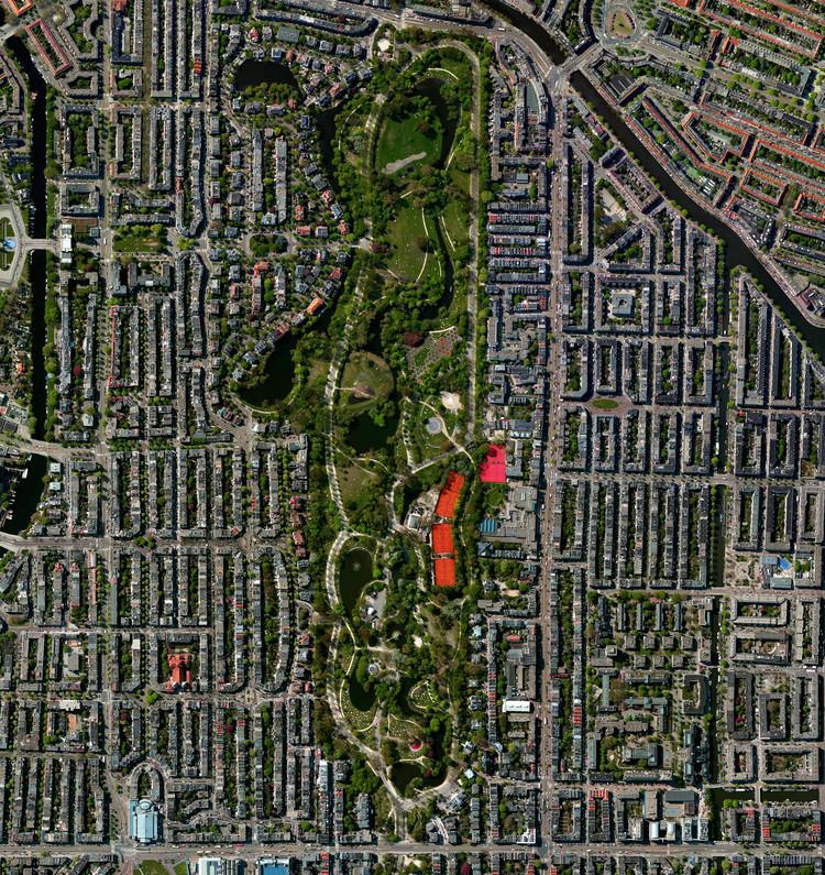 Amsterdam, Holanda. Imagen cortesía de Daily Overview. © Satellite images 2016, DigitalGlobe, Inc