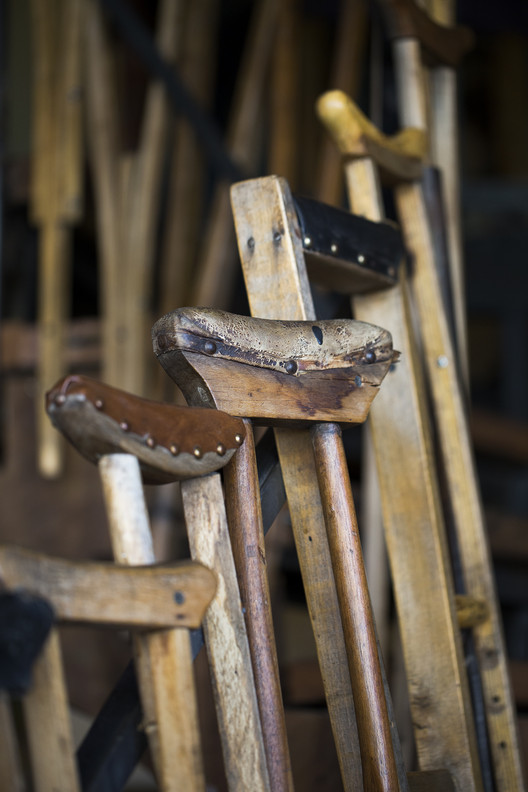 Barandas de muletas. Image © MABO PHOTO